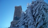 Зимна картина ка паметника