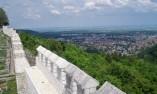 От бойните стени с гледка град Шумен