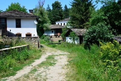 Стари къщи