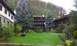 Двор на манастира