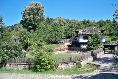 Автентична страноприемница в село Боженци