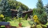 Градина на манастира
