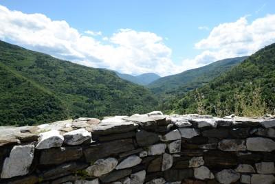 Панорамна гледка от руините на крепостта