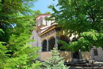 Сграда от манастира