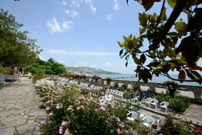 Китната градина с розите в Двореца
