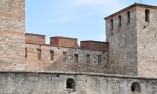 Стените и кулите на укреплението
