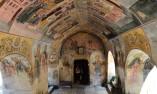 Страничен вход на църквата в Бачковския манастир