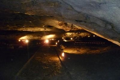 Един от тунелите на пещера Магурата