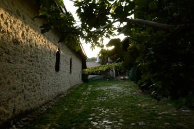 Част от двора на Роженския манастир