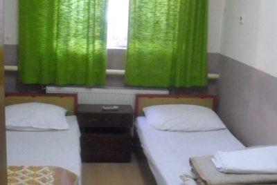 Леглова база в туристическа спалня