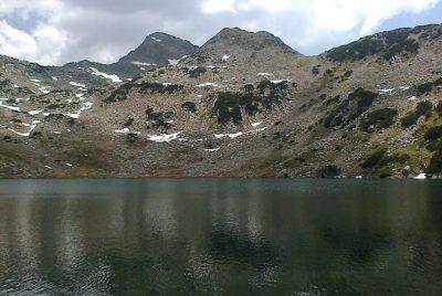 Планината и водата