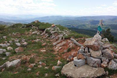 Камъни по връх Любаш