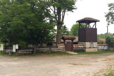 Църквата в село Бръшлян
