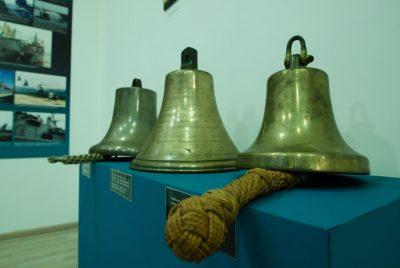 Моряшки камбани