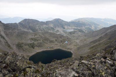 Гледка към езерата от Малка Мусала