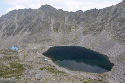 Езерото и заслона под връх Мусала