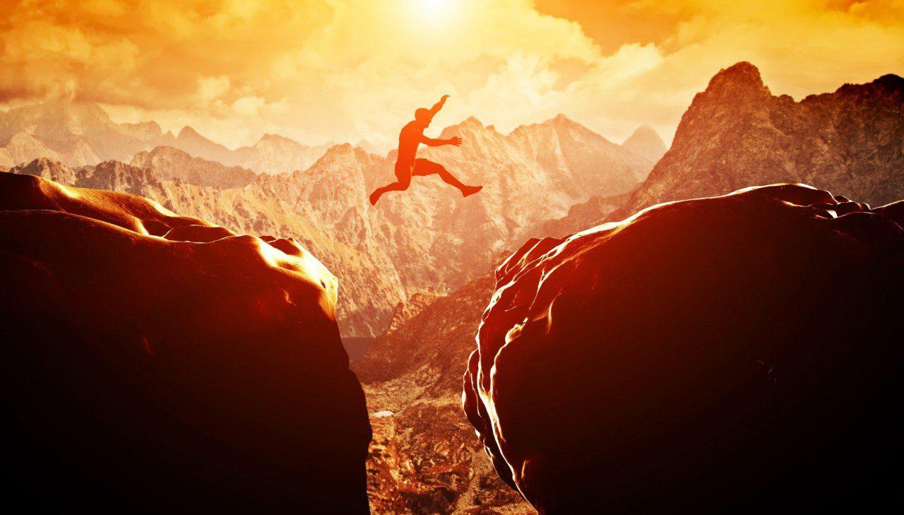 Скачане от скала на скала